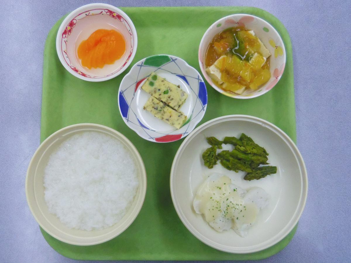 施設の食事1