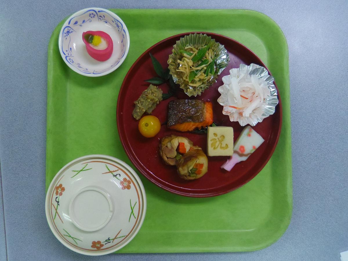 施設の食事3